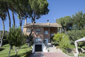 Chalet for sale in Urbanización el Bosque, Villaviciosa de Odón, Madrid.