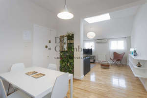 Flat in Cortes de Madrid, Centro.