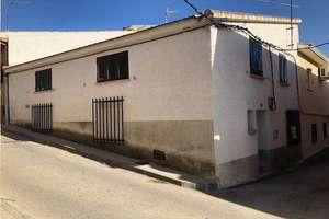 Duplex for sale in Navas del Rey, Madrid.