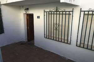 Cluster house for sale in Pelayos de la Presa, Madrid.