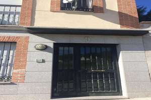 Flat for sale in Villamantilla, Madrid.