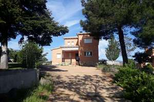 House for sale in Cadalso de los Vidrios, Madrid.