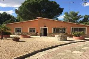 Ranch for sale in Pelayos de la Presa, Madrid.