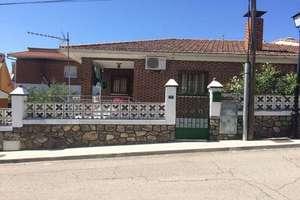 Chalet venta en Casco Urbano, Navas del Rey, Madrid.