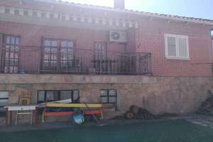 Chalet for sale in Madrid.